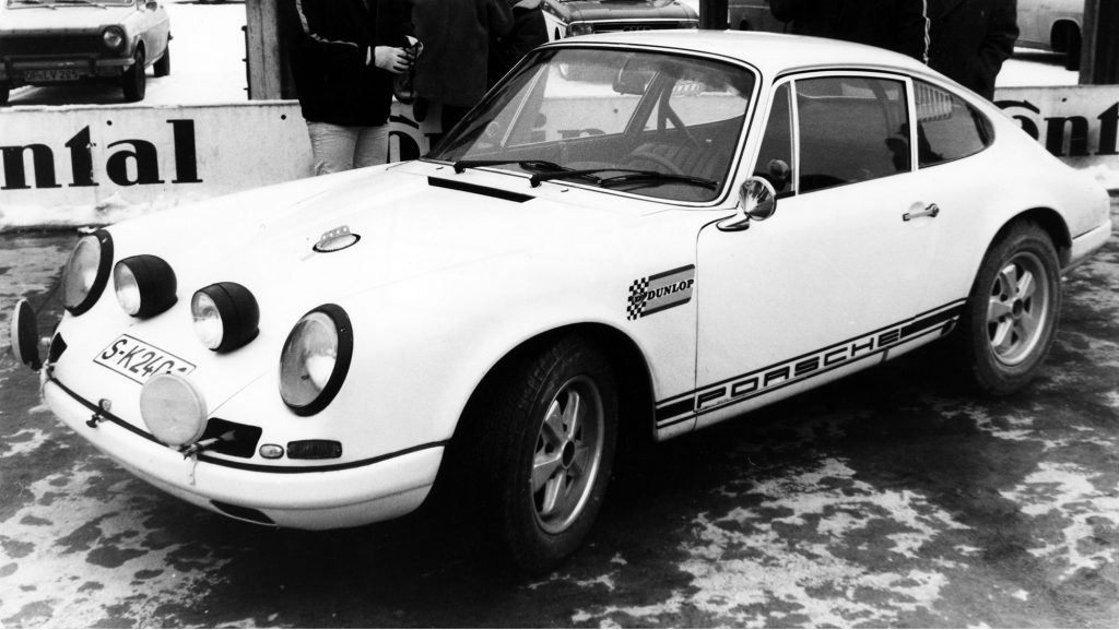1263115_press_preview_of_the_911_r_2_0_coupé_factory_vehicle_hockenheim_januar_1969
