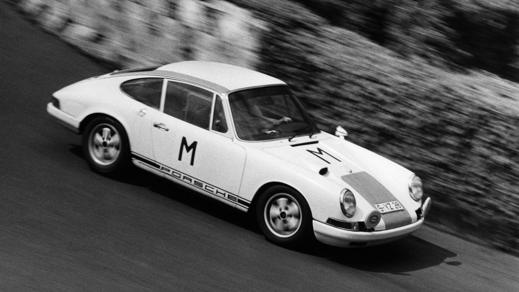 1269012_porsche_typ_911_r_2_0_coupé_mj_1000_km_race_at_nuerburgring_1968_porsche_ag